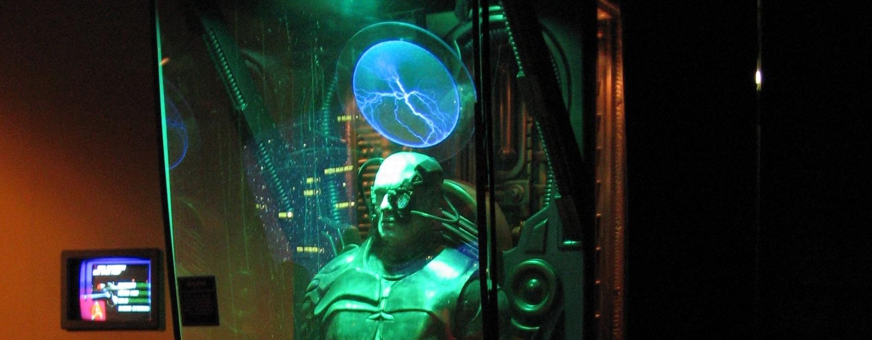 Un borg (Star Trek) dans sa station de stockage