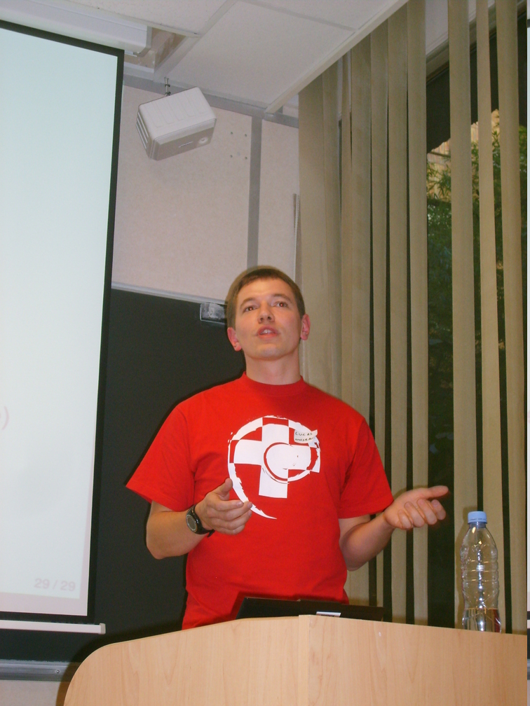 Lucas Nussbaum : Debian and Ubuntu